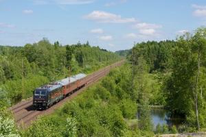 Rush Rail 185 413-3 med RST 69205 (Borlänge C - Hässleholm) mellem Tunneby og Osby - 08.03.2013