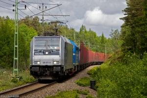TXL 185 671-5 & STAB TMX 1042 med GT 33998 mellem Ryr - Uddevalla C - 04.06.2012