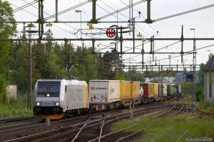 TXL 185 705-2 med GT 44500 (Malmö G - Ävlsjö G) ved Boxholm - 07.06.2012