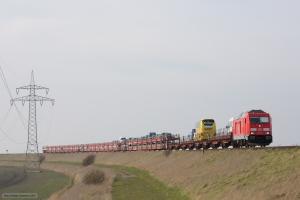 DB 245 021 m. Autozug som AS 1443 (Westerland-Niebüll) mellem Morsum og Klanxbüll - 26.03.2016