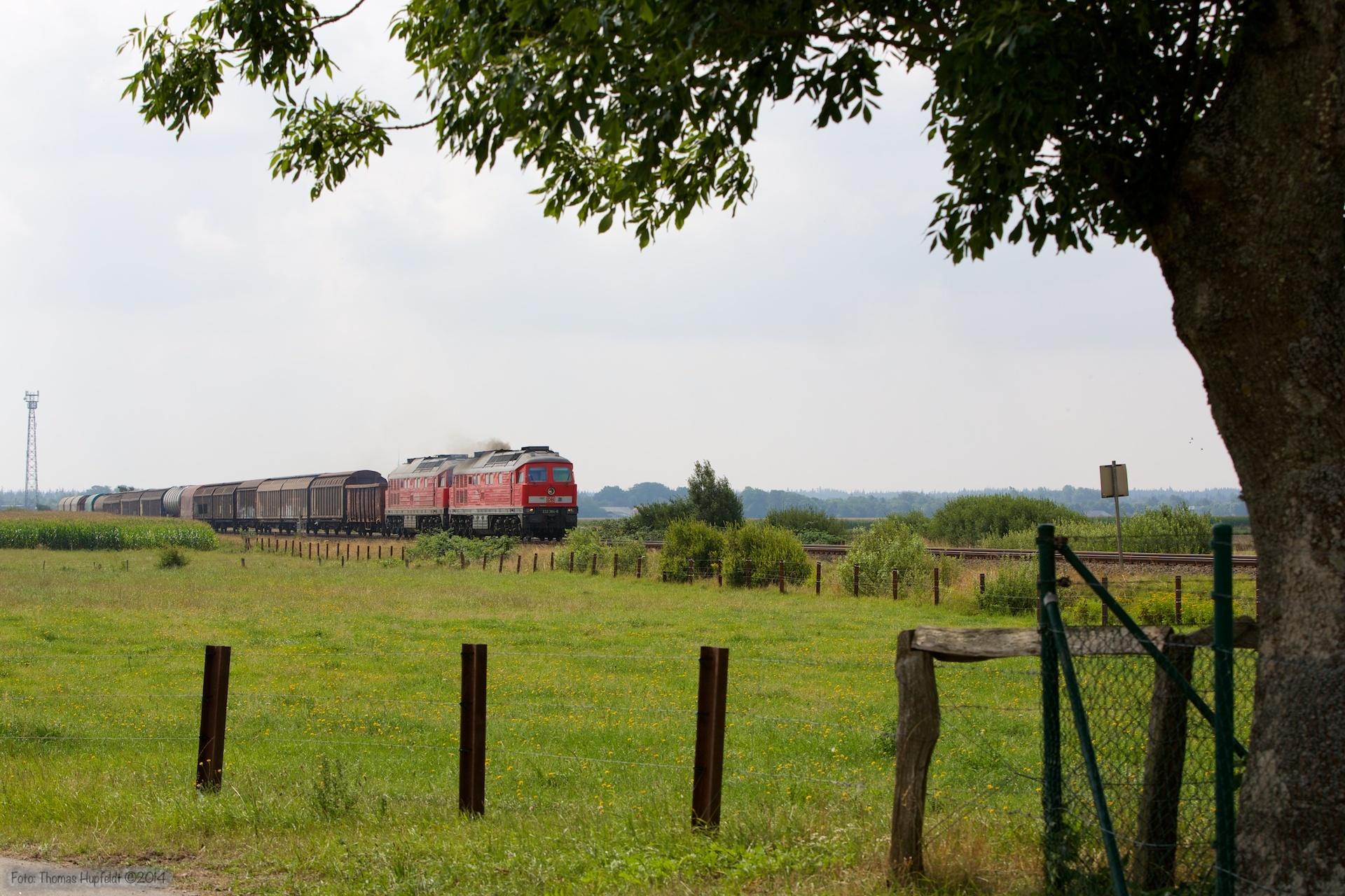 DB 232 384-8 og 232 534-8 med 47408 ved Langenhorn - 03.08.2014