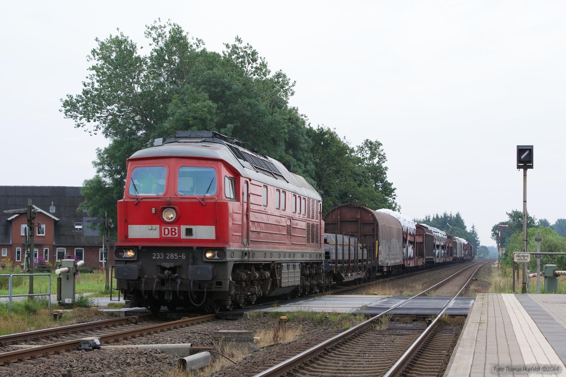 DB 233 285-6 med 47406 ved Langenhorn - 03.08.2014