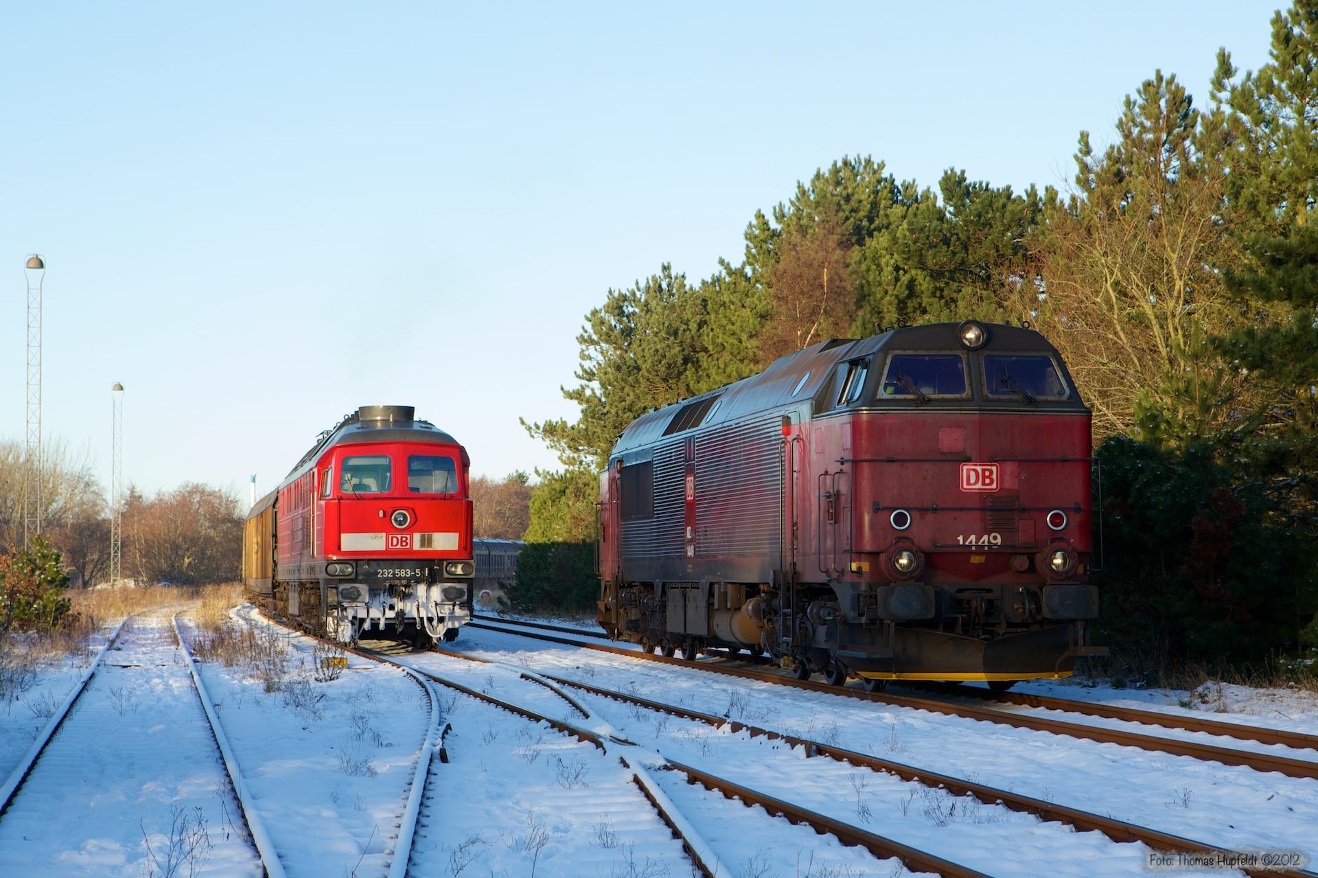 DB 232 583-5 med 44753 (Tdr-Maschen Rbf) og DB Schenker MZ 1449 ved Tønder - 06.12.2012