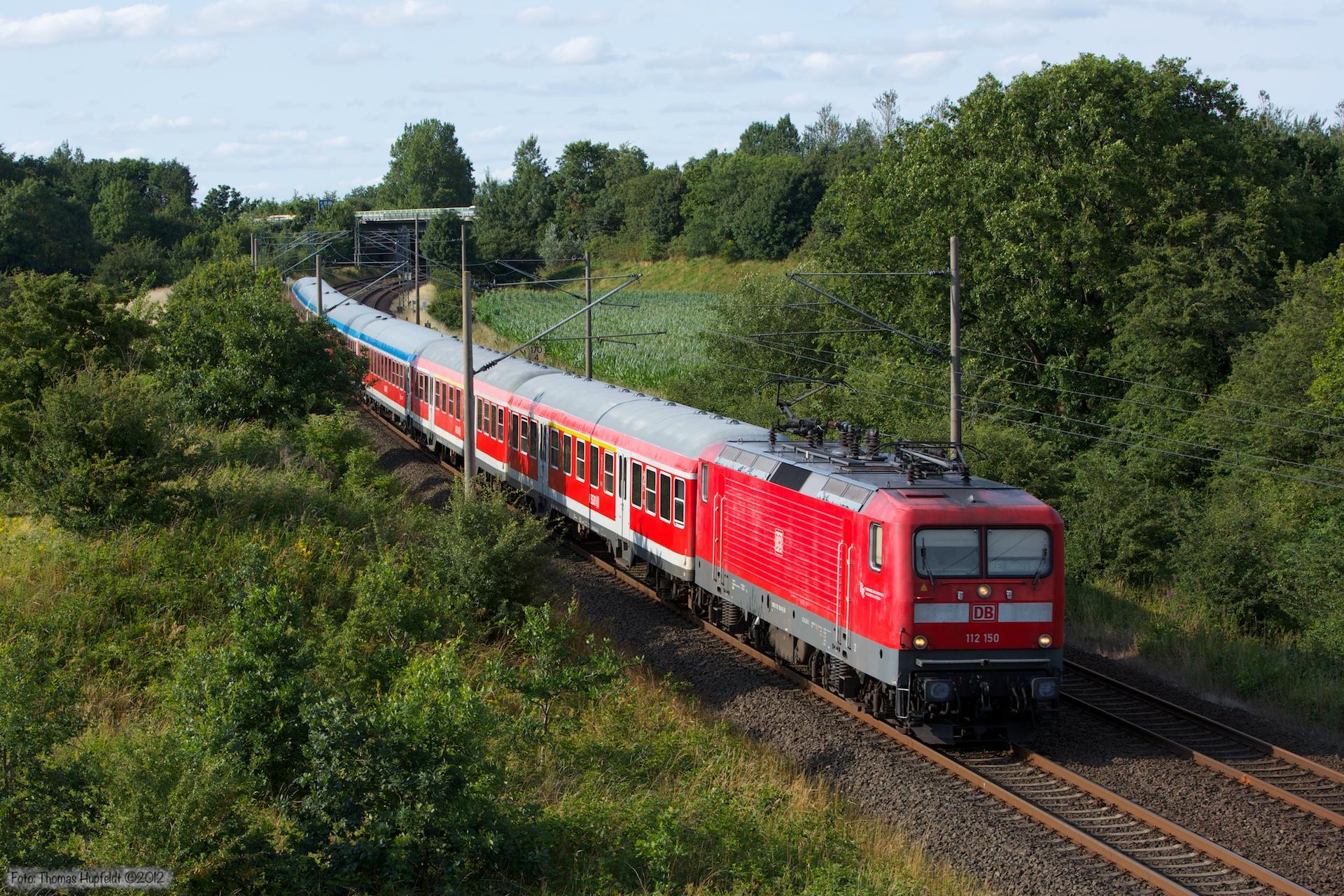DB 112 150 med RE21083 (Flensburg - Hamburg H) ved Flensburg Weiche - 28.07.2012
