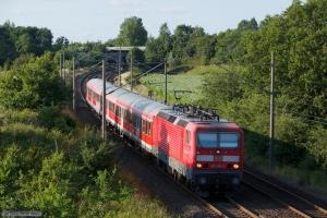 DB 143 861-3 med RB21085 (Flensburg - Neumünster) ved Flensburg Weiche - 28.07.2012