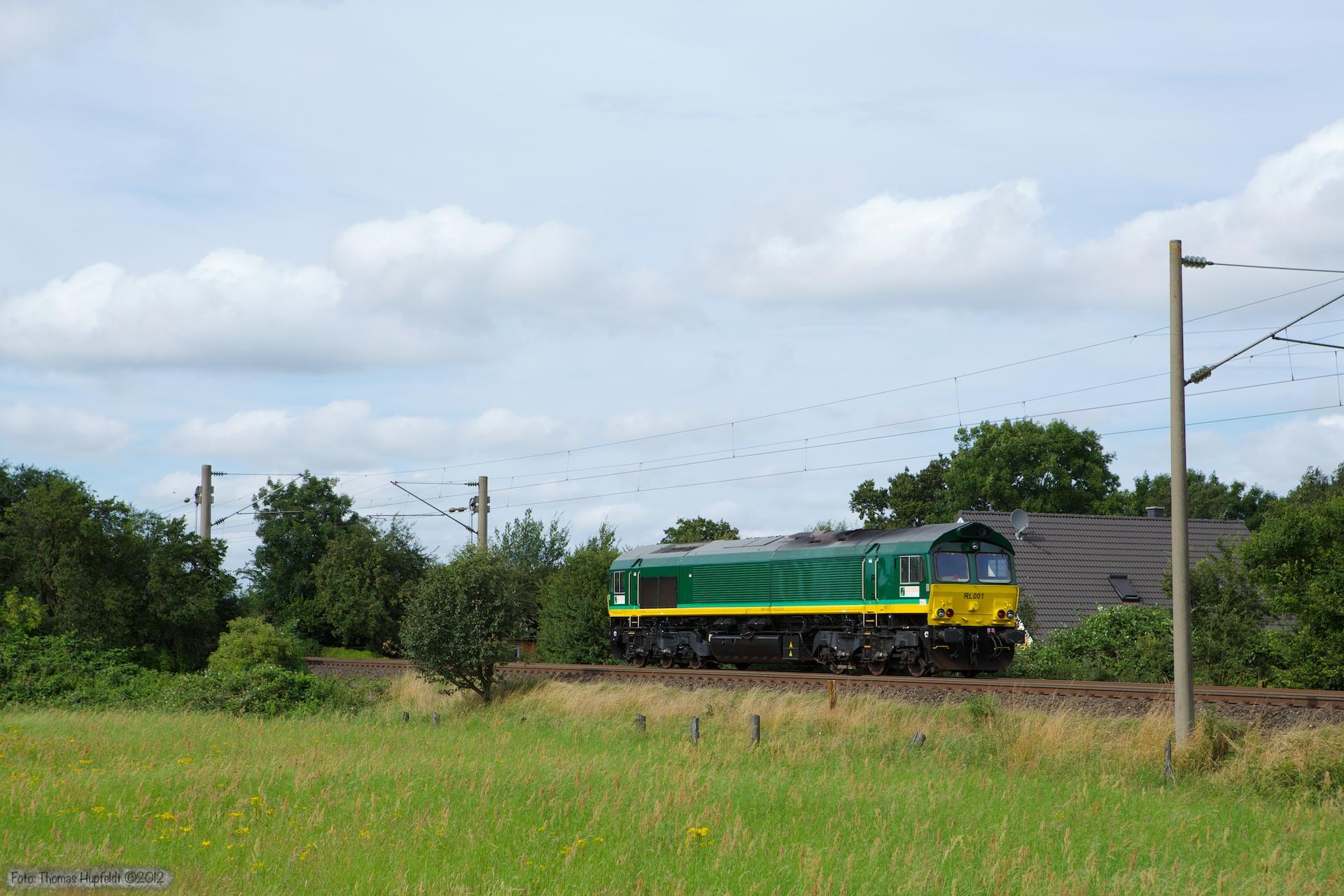 Ascendos RL001 som Tfzf 93964 (Flensburg - Padborg) ved Harrislee - 28.07.2012