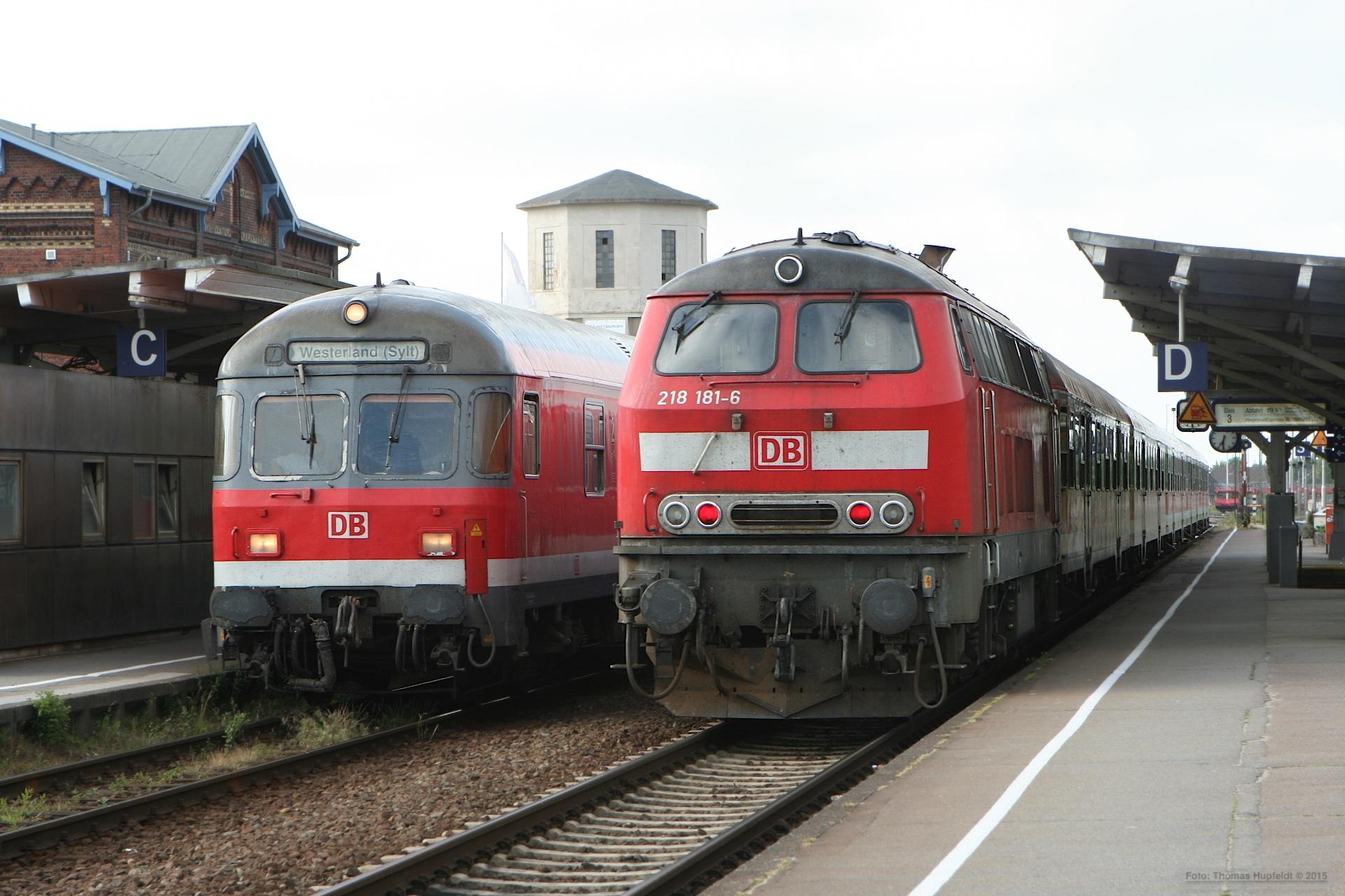 DB 218 181-6 som RB 11172 (Niebüll Westerland) i Niebüll – 28. 06.2005