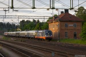 Hector Rail 242 532 med RST 7142 (Malmö C-Stockholm C) ved Boxholm - 07.06.2012