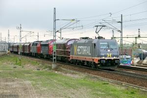 Hector Rail 241.007+DSB MX 1001+MY 1159+MZ 1401+DB 5101+CLE 1678+CL 1514+CLL 1476 som TJT 38906 ved Malmö - 13.05.2010