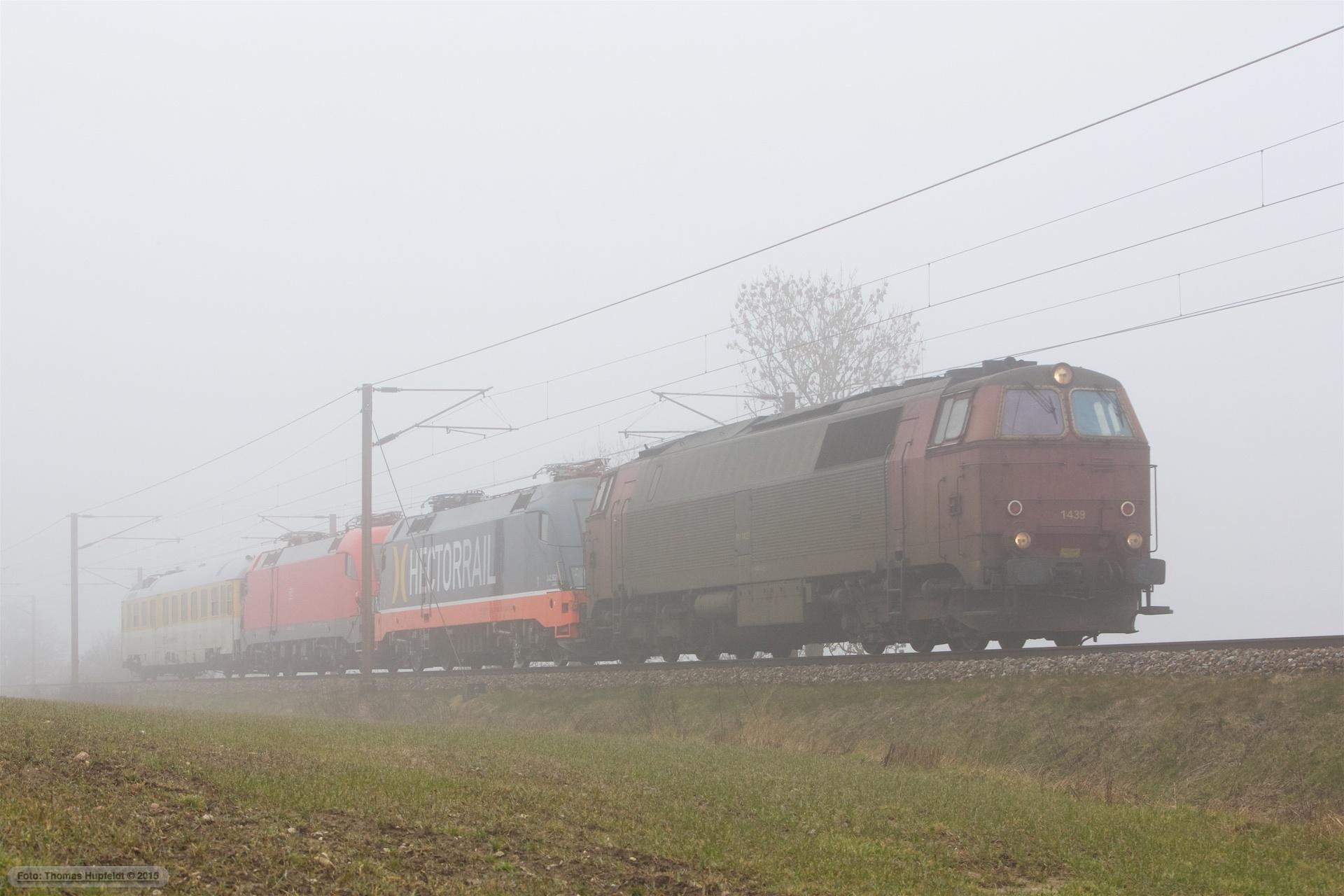 NEG MZ 1439 og Hector Rail 242.502 og DB 182 506 med Dienstüm313 63 80 99-92 007-3 som RM 6412 (Te-Md) mellem Kolding og Taulov - 13.03.2016