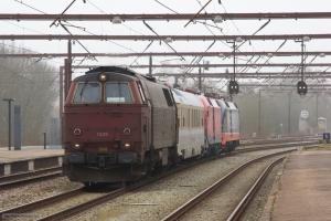 NEG MZ 1439 og Hector Rail 242.502 og DB 182 506 med Dienstüm313 63 80 99-92 007-3 som RM 6413 (Md-Fa) i Fredericia - 13.03.2016