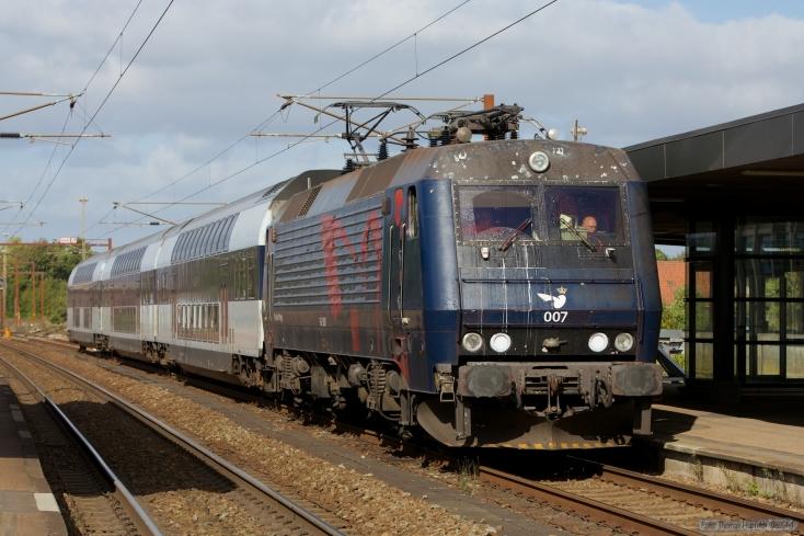 DSB EA 3007 med B 7745, B7754 og ABs 7922 som M 306931 (Oj-Rq) i Vojens - 27.09.2014