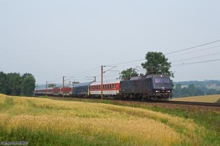 DSB EA 3022 med EN 472 (Pa-Kbh) ved Gudsø - 28.07.2012