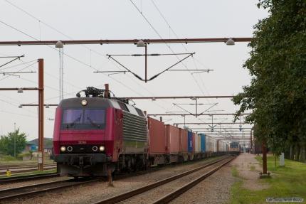 Railion DK EA 3014 med G 42743 (Tl-Pa) ved Padborg - 10.08.2007