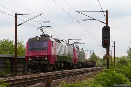 Railion DK EA 3018 og EA 3019 med G 44775 (Rg-Pa) mellem Odense og Holmstrup - 12.05.2007
