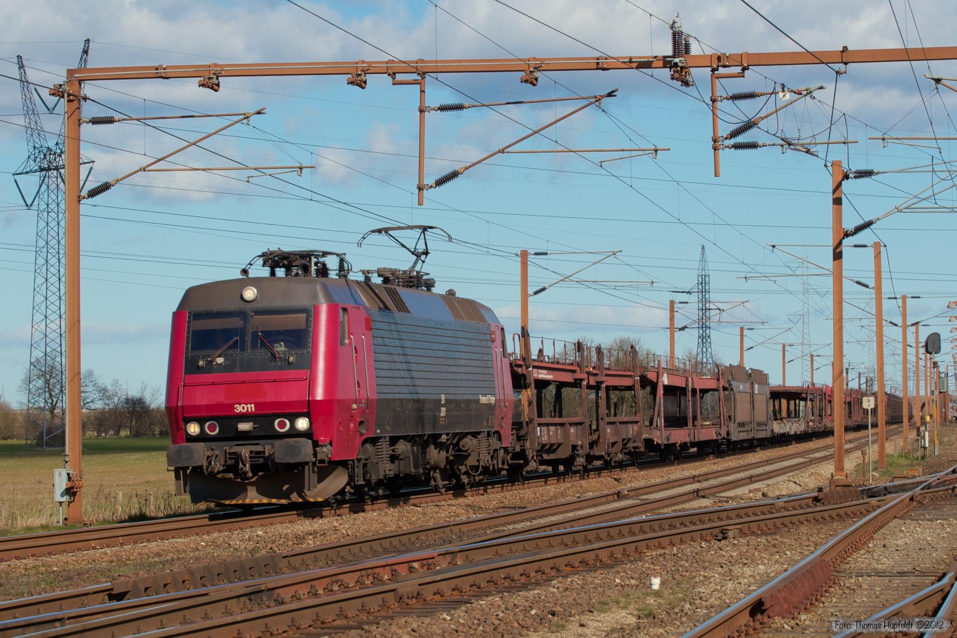 Railion DK EA 3011 med G 44771 (Rg-Pa) ved Taulov - 03.04.2007