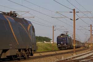 DSB EA 3022 med EN 473 samt DB Schenker EG 3111 ved Ng - 05.06.2011