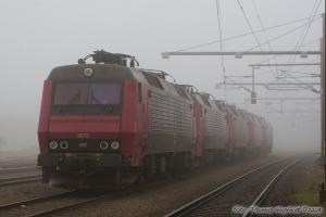 Railion DK EA 3012, 3016, 3018, 3021 og 3011 i Padborg - 01.03.2009