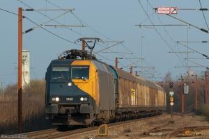 Railion DK EG 3102 med GD44733 (Mgb-Pa) ved ankomst til Padborg - 31.03.2007