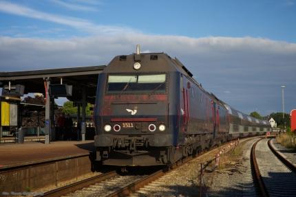 DSB ME 1511 og 1508 som M 8275 (Kh-Kb) ved Holbæk - 2011.06.26