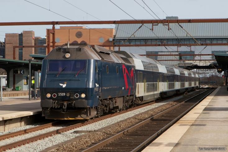 DSB ME 1519 med IR 8039 (Kh-Ho) ved Odense - 20.03.2008
