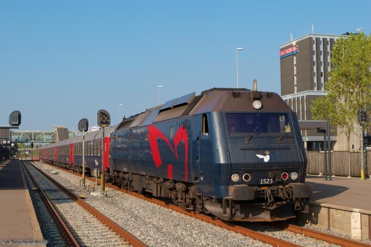 DSB ME 1523 med M 8126 (Hr-Kh) ved Herning - 01.10.2006