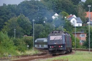 DSB ME 1515 med L 8044 (Århus - København) ved Vejle - 02.09.2012
