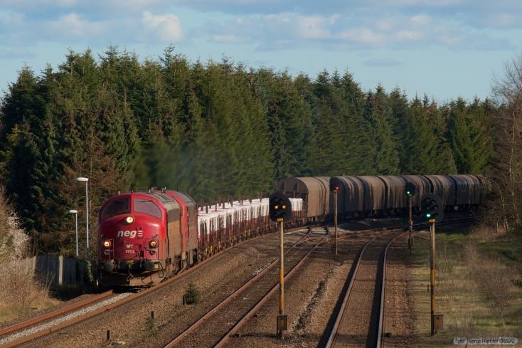 CFL Cargo MY 1154 og MX 1029 med GF 6200 (Pa-Sk) ved Børkop - 03.04.2007