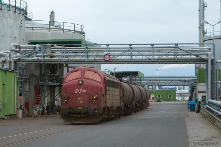 CFL Cargo MY 1158 med tanktog på Koppers i Nyborg - 03.04.2007