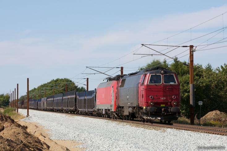 NEG MZ 1439 og DB Schenker EG 3106 med GD 42749 (Mgb-Pa) mellem Sommersted og Vojens - 08.08.2014