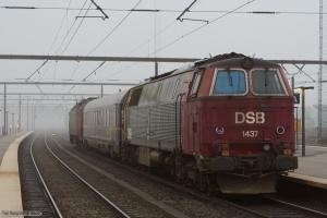 DSB ME 1503 med Målevogn 003 + MZ 1437 som M86321 (Gb-Rq) ved Odense – 23.11.2005