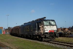 TXL ES 64 F4-115 med svære skader på fronten efter kollisionen i Padborg 30.11.2013