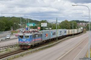 SJ Rc3 1062 (Rushrail) med GT 43013 (Vesteräs-Göteborg Skandiahamn) ved Göteborg Kville - 03.06.2012