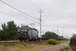 SJ Rc3 1047 (Rushrail) med GT 43714 (Helsingborg - Göteborg Skandiahamn) ved Hallsberg Rbg - 24.08.2011