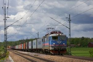 SJ Rc3 1062 (Rushrail) med GT34721 mellem Frövi og Vesterås Vestra - 06.06.2012