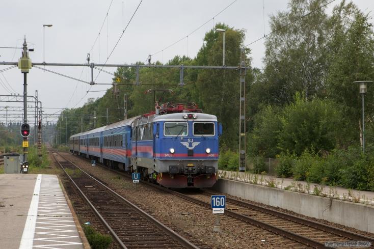 SJ Rc6 1406 med RST333 (Göteborg - Kalmar C) ved Emmaboda - 11.09.2010