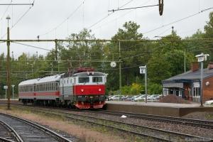 SSRT Rc6 1323 med RST18124 (Karlstad-Laxå) ved Degerfors - 14.09.2010