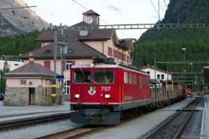 RhB Ge 6/6 II 707 med 4 vogne og Tm 2/2 113 som 5378 (Pontresina-Landquart) ved Pontresina - 14.08.2014