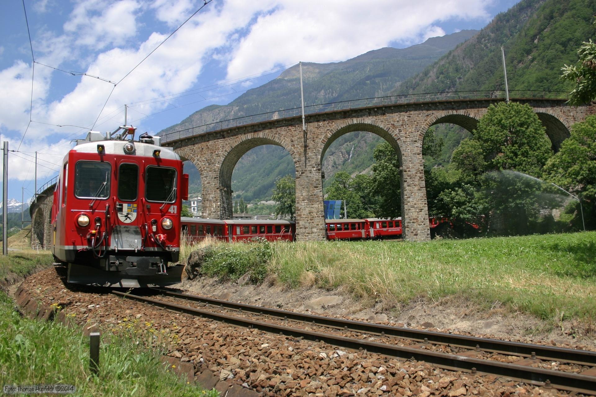 RhB ABe 4/4 II 42 og ABe 4/4 III 56 ved Brusio Viadukt - 24.06.2004