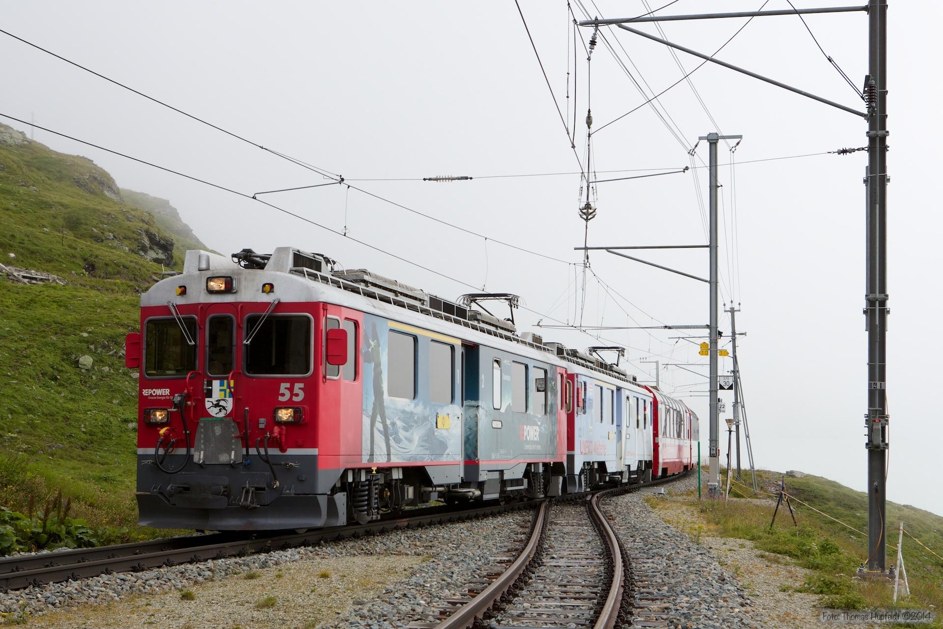 RhB ABe 4/4 III 55 og 51 som 976 (Tirano-St. Moriz) ved Ospizio Bernina - 15.08.2014