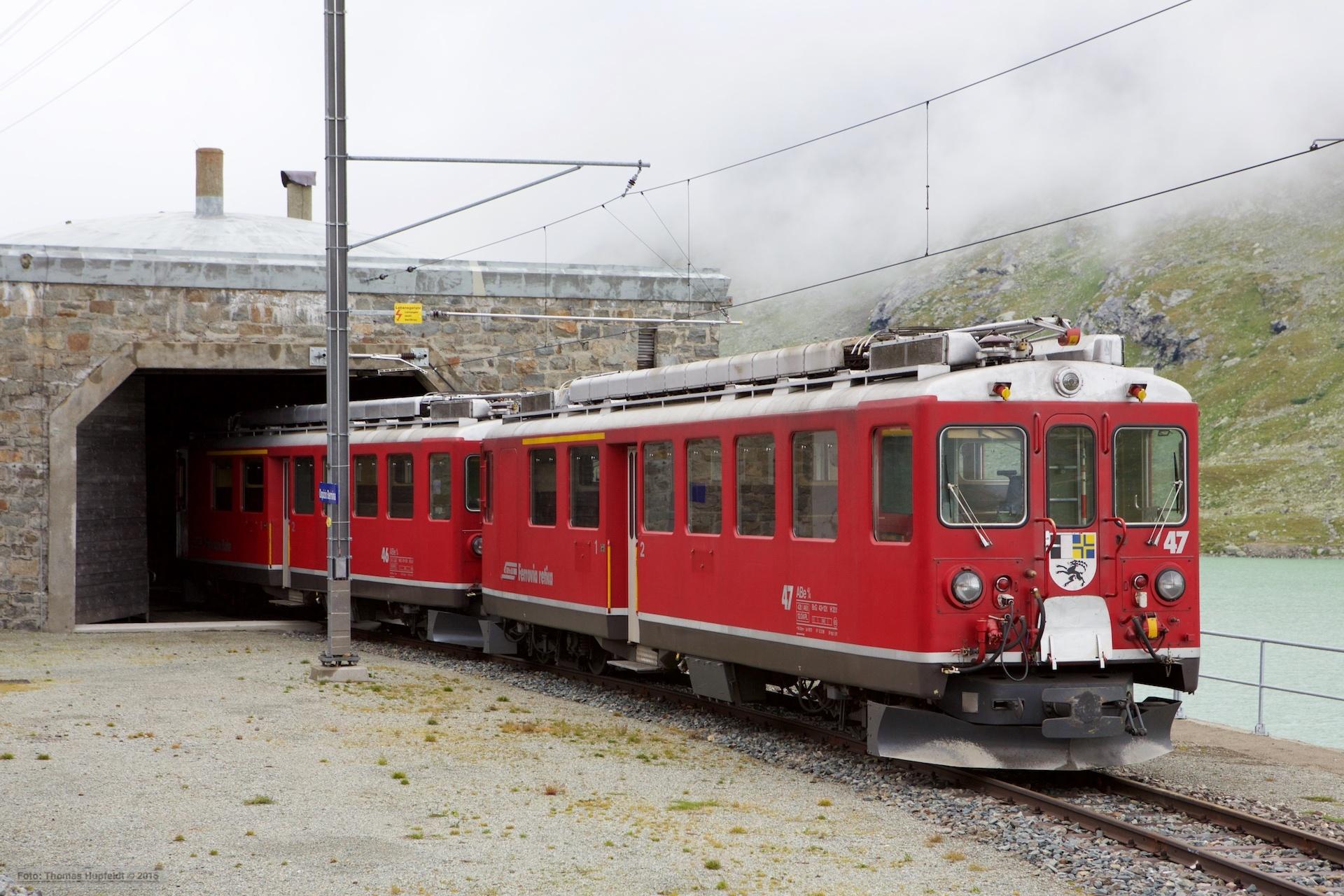 RhB ABe 4/4 II 46 og 47 ved Ospizio Bernina - 15.08.2014