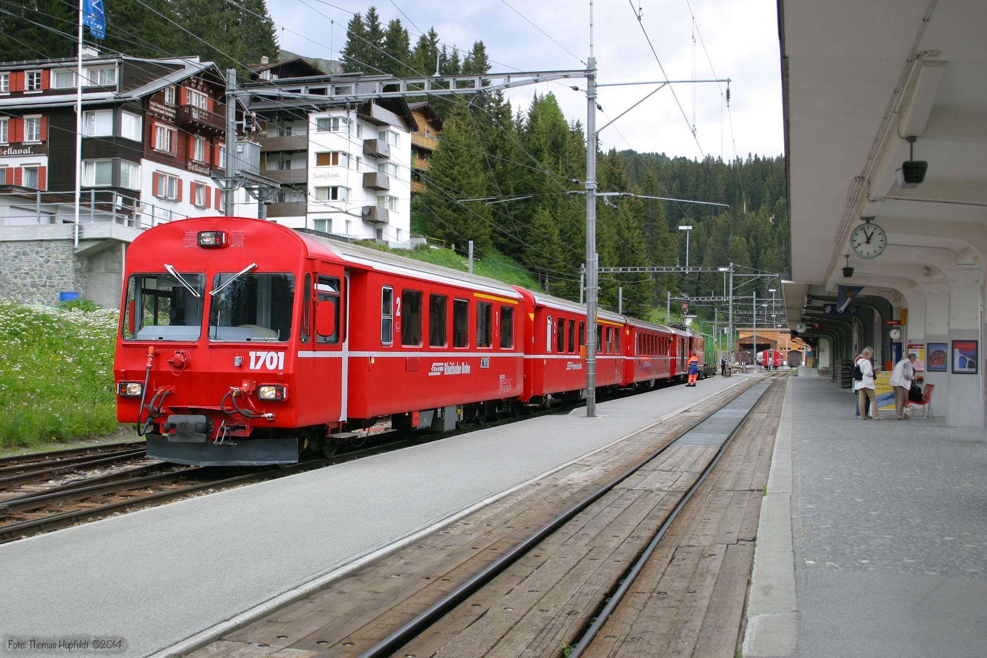 RhB Abt 1702 og Ge 4/4 II 616 ved Arosa - 23.06.2004