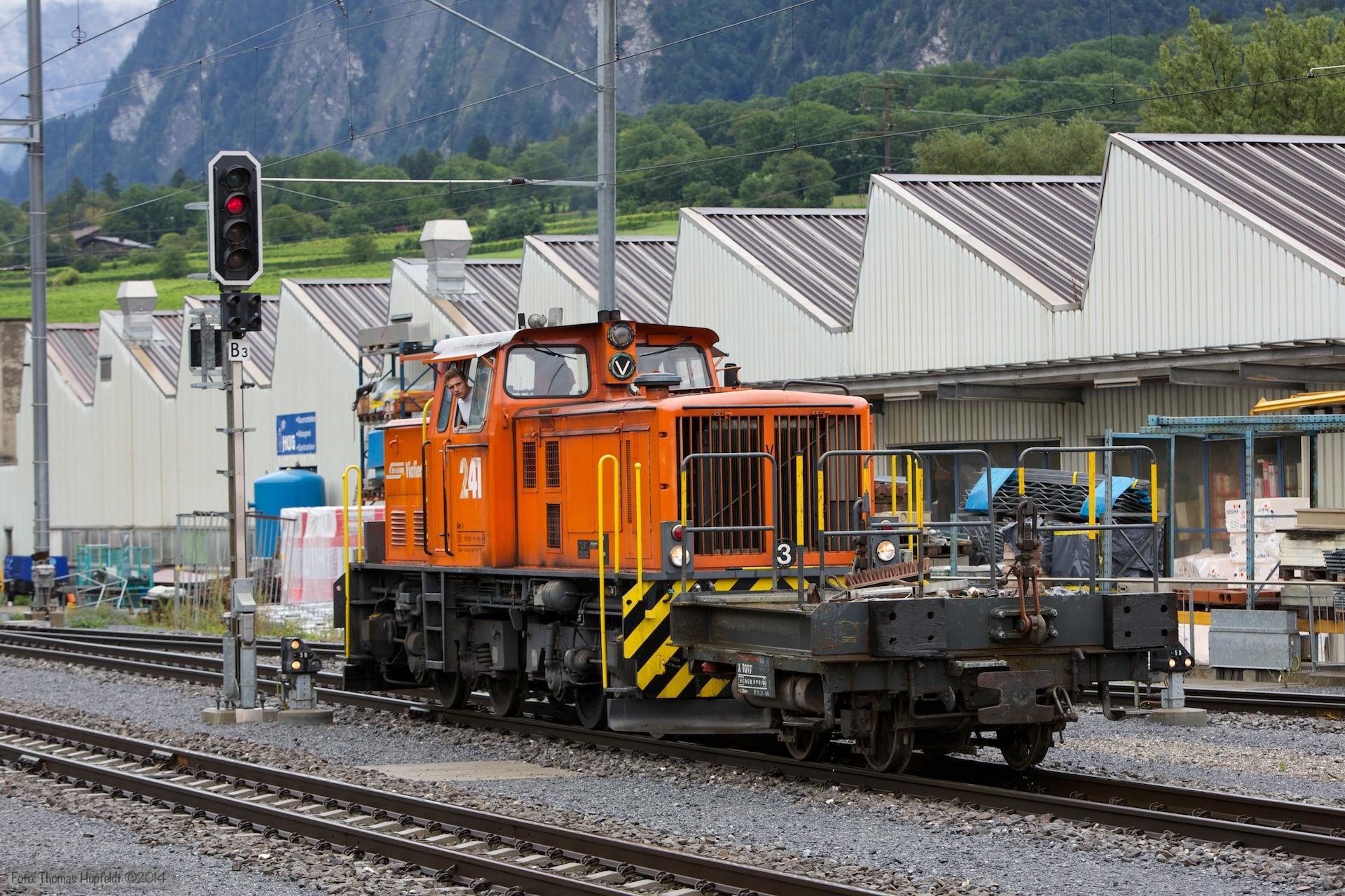 RhB Tm 4/4 241 ved Untervaz-Trimmis - 13.08.2014