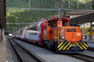 RhB Tm 2/2 113 med 6 vogne ved Pontresina - 15.08.2014