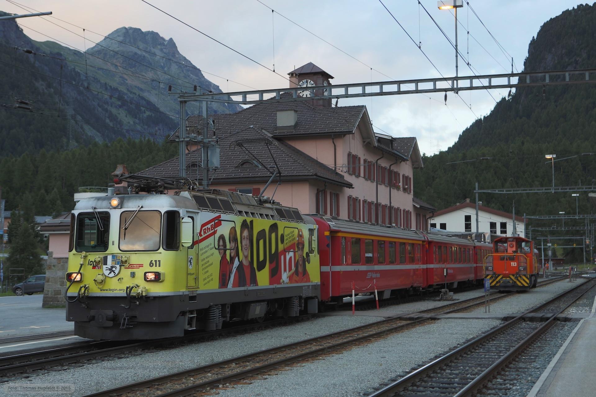 RhB Ge 4/4 II 611 med 5 vogne som 5162 (Pontresina-Sagliains) ved Pontresina - 16.08.2014