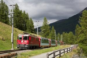 RhB Ge 4/4 II 629 med 6 vogne som 902 (Kloster-Vereina) omlagt på grund af uheld mellem Cinuos-chel-Brail og S-chanf - 14.08.2014