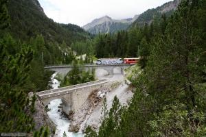 RhB Ge 4/4 III 650 med 10 vogne som 1148 (St. Moriz-Chur) mellem Preda og Bergün - 16.08.2014