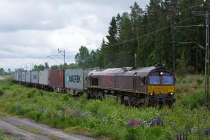 CFL Cargo T66K 714 med GT 49240 (Värnamo - Göteborg Skandiahamn) mellem Värnamo og Hillerstorp - 14.06.2013
