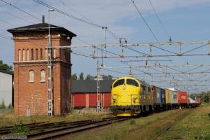 Railcare TMX 1015 med GT 49225 (Skillingaryd - Värnamo) ved Värnamo - 26.08.2011